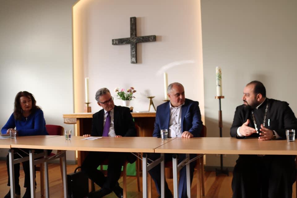 Զրույց <<Բեռլինում գործող կիրակնօրյա հայկական դպրոցների խնդիրները>> թեմայով <<Բեռլինաբնակ հայերի առկա խնդիրներն այսօր>> թեմատիկ շարքից